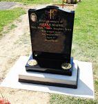 Mains memorial